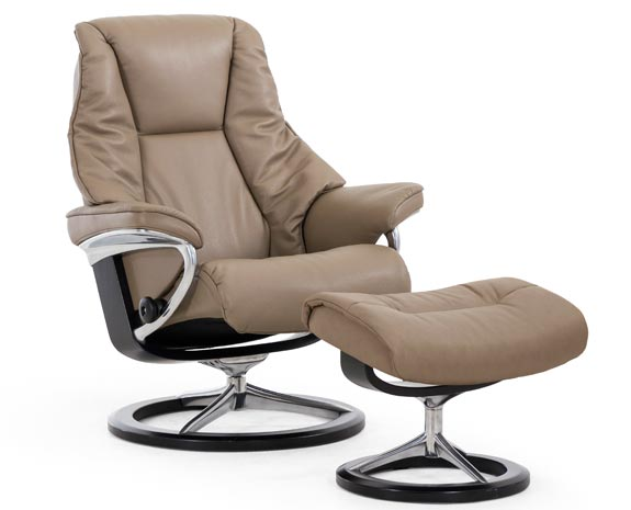 Exceptional Stressless Live Signature Chair