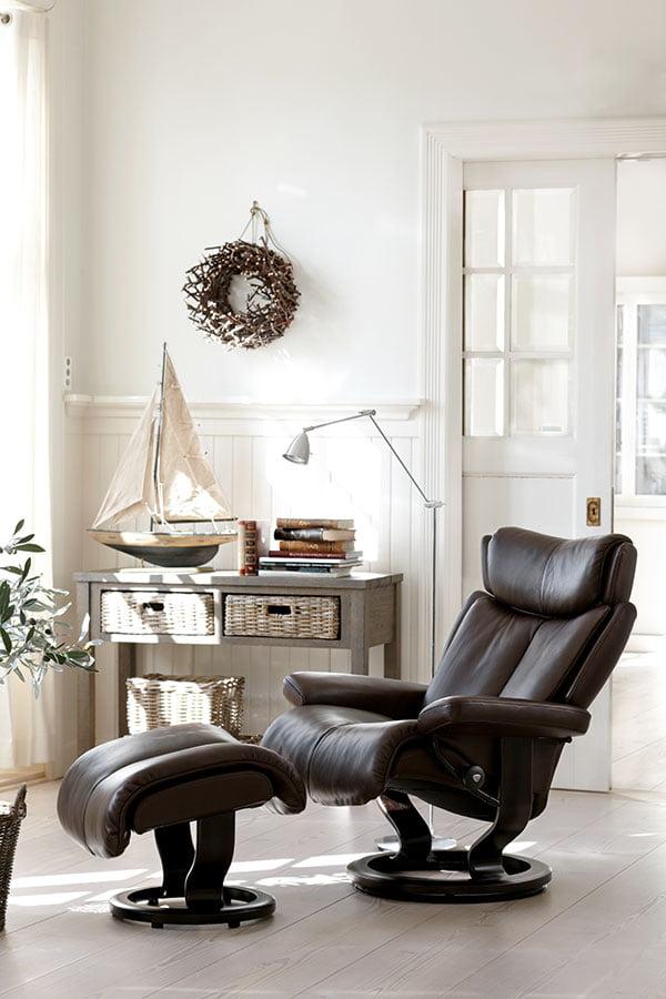 relaxsessel aus leder modern bequem stressless magic. Black Bedroom Furniture Sets. Home Design Ideas