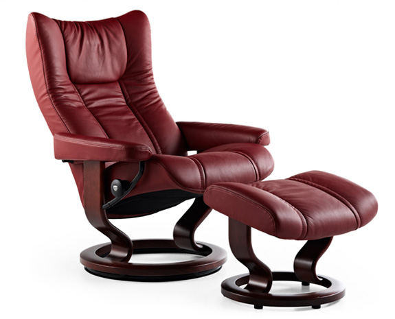 Recliner chairs and sofas the official ekornes ca home page for Chaise cuir pied bois