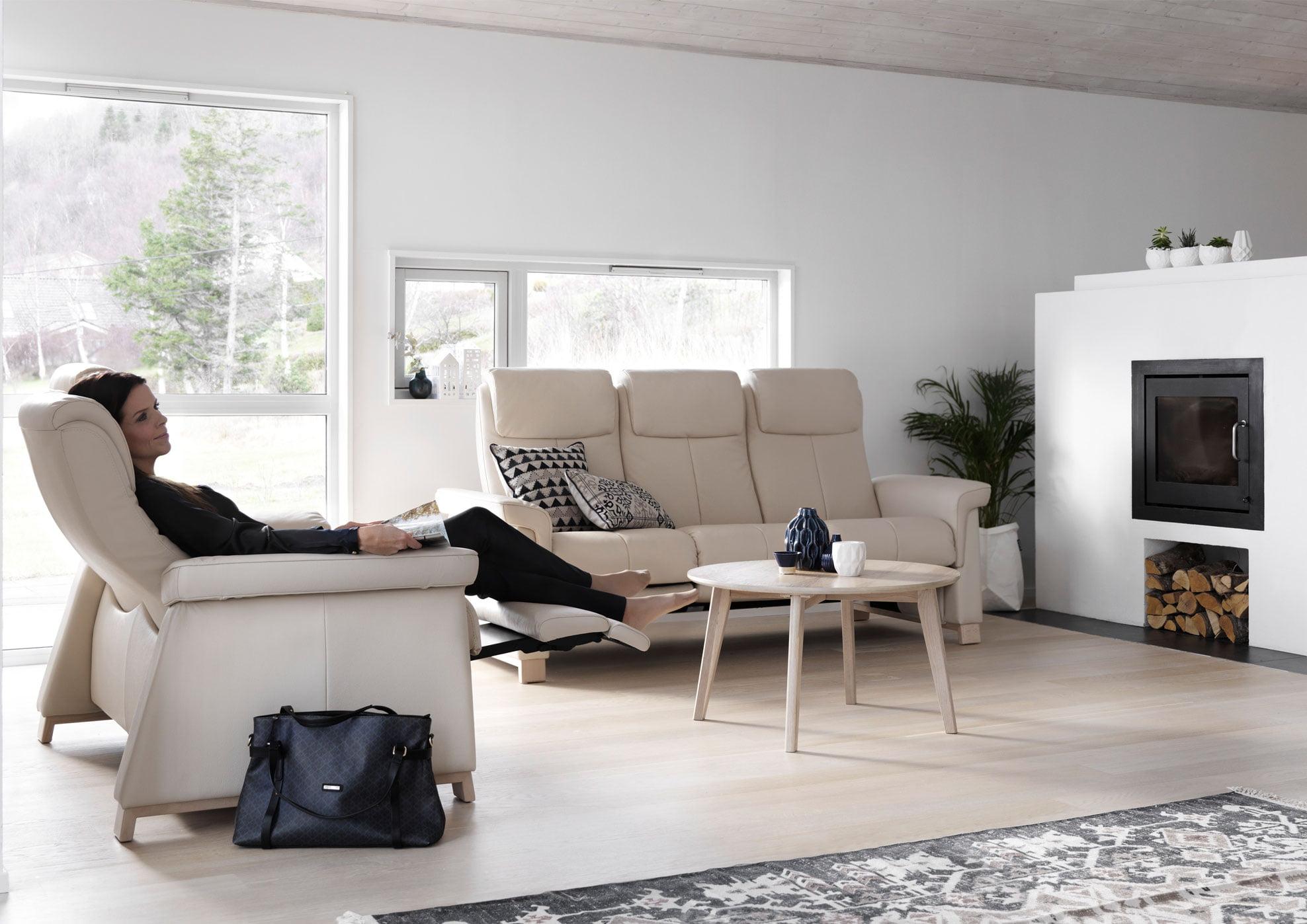 Le nouveau repose pied int gr by stressless site officiel - Canape avec repose pied integre ...