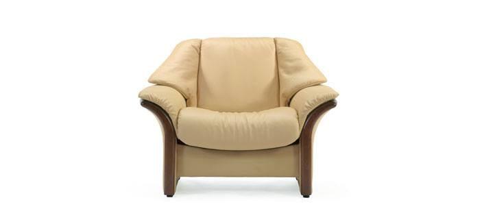 Canapé / fauteuil en tissus beige, très confortable avec de larges ...