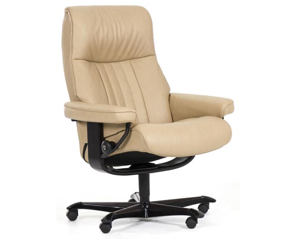 Fauteuil de bureau ergonomique, inclinable, grand confort, Stressless Crown Office, en cuir beige