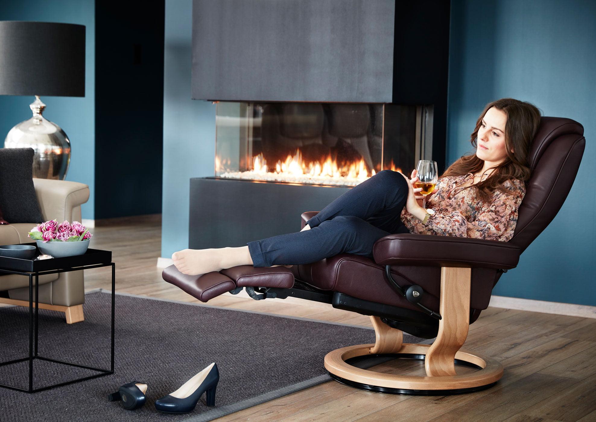 Relaxzetels met ingewerkte voetensteun als extraatje van stressless - Kennisgeving furniture ...